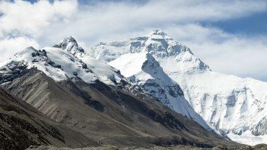 Photo of Il coronavirus mette a rischio la stagione dell'Everest. Il Nepal sospende i VOA per gli italiani