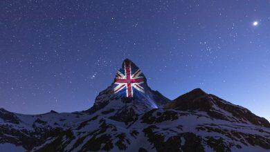 Photo of Il Cervino si illumina di nuovo con le bandiere dei Paesi in lotta contro il coronavirus
