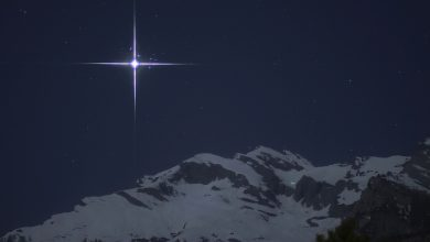 Photo of Lo spettacolare incontro tra Venere e Pleiadi sulle Alpi