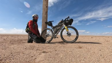 Photo of Omar di Felice completa la traversata invernale del Gobi in bici