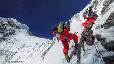 "Photo of ""Breathtaking"". La salita di Adrian Ballinger e Carla Perez in vetta al K2"