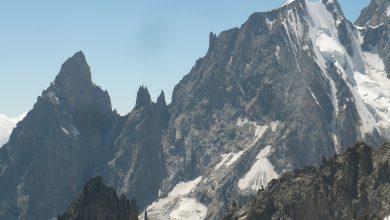 Photo of Monte Bianco, integrale della Cresta Peuterey: soccorso difficile per alpinista ferito e con acuto mal di montagna