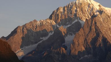 Photo of Bonatti e Oggioni sul Pilastro Rosso di Brouillard