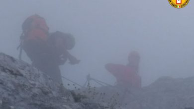Photo of Civetta, intervento per due escursionisti bloccati in ferrata da neve e nebbia
