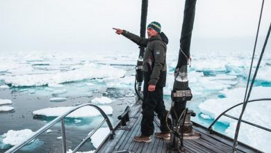 Photo of Mike Horn di nuovo in Artico tenta di scalare un iceberg che si capovolge