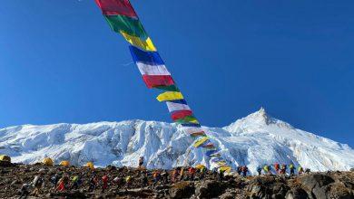 Photo of Karakorum, è vetta sul K6 centrale. In Nepal acclimatazione e pulizie in corso sul Manaslu