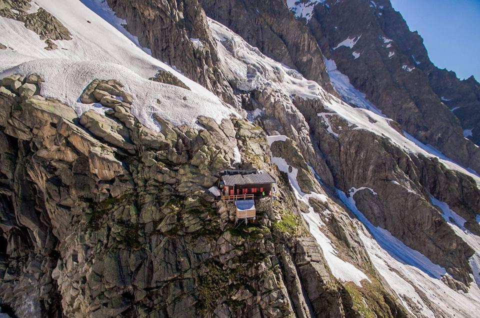 rifugio boccalatte, grandes jorasses