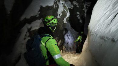 Photo of Escursionista bloccato in canalino ghiacciato, delicato intervento del Soccorso Alpino