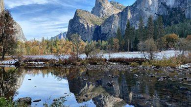 Photo of L'incanto della prima neve tra le foglie d'autunno a Yosemite