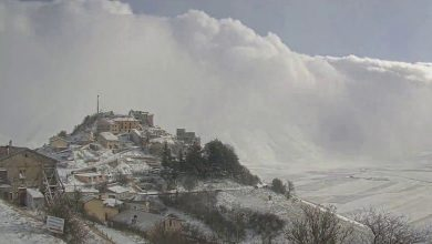 Photo of Castelluccio di Norcia nella morsa del blizzard