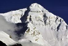 """Photo of Everest: la Cina vuole un confine anti-Covid sulla vetta. Txikon rinuncia """"per responsabilità"""""""