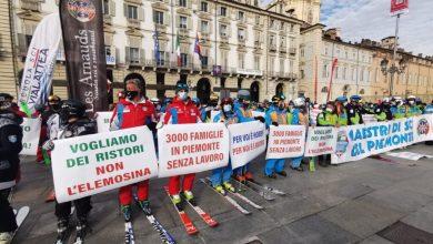 Photo of Piemonte: maestri di sci in piazza contro le chiusure