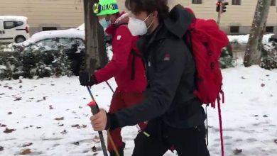 Photo of Neve in città? A Pavia i medici vanno a lavoro sugli sci
