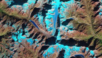 """Photo of Ghiacciai himalayani visti dallo spazio. NASA: """"Insolito scioglimento invernale"""""""