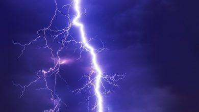 Photo of Che rumore fa l'elettricità? Un raro Fuoco di Sant'Elmo tra le vette d'Alaska