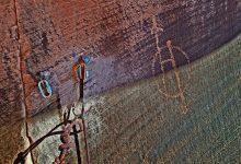 Photo of Climber chioda tre vie e danneggia antiche incisioni rupestri nello Utah