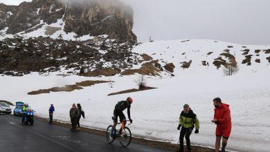Photo of Giro d'Italia: tappone dolomitico dimezzato, infuria la polemica