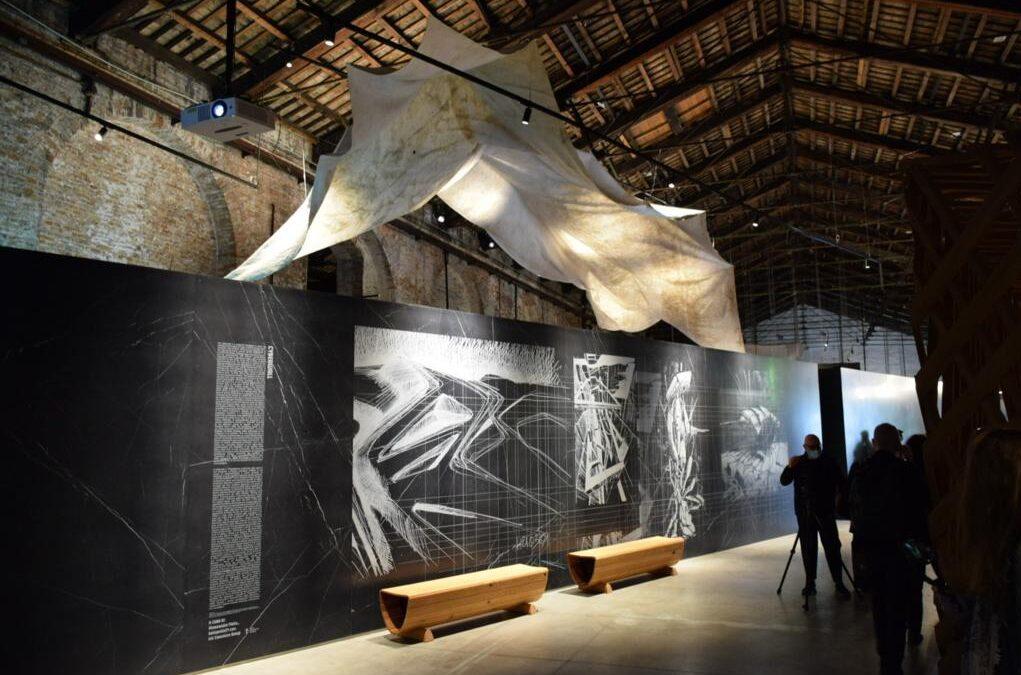 ghiacciaio del presena, biennale di venezia, teli geotessili