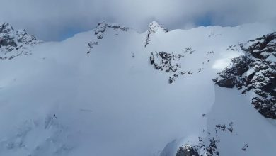 Photo of Gemelli del Breithorn, scialpinista in un crepaccio
