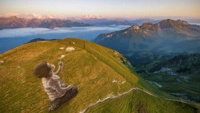 """Photo of """"Un nuovo respiro"""". Sulle Alpi svizzere un graffito effimero che unisce cielo e terra"""