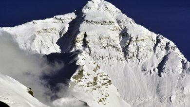 """Photo of """"In quel vento c'è il diavolo che danza"""". Cent'anni fa la prima salita al Colle Nord dell'Everest"""