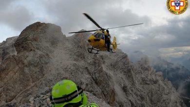 Photo of Sasso colpisce escursionista sulla Ferrata Dibona