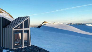 """Photo of Un bivacco """"hi-tech"""" sul ghiacciaio del Rutor"""