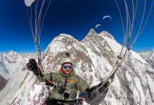 Photo of Volare con il parapendio a 8407m? Il video del record sul Broad Peak di Antoine Girard